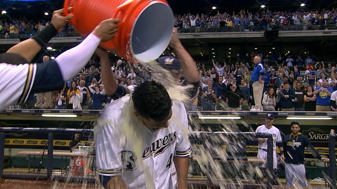 Gallardo wins it for Brewers -- as a hitter
