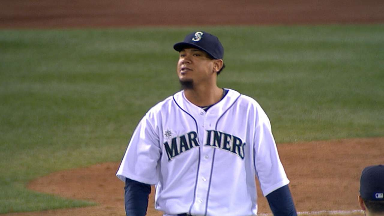 Felix notches fourth straight win in gem vs. Angels