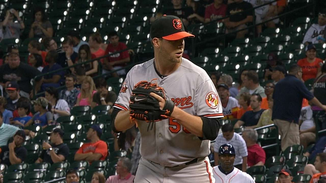 Newly acquired reliever Webb will not join club in Arizona