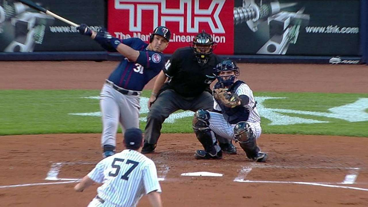 Three HRs, sharp Nolasco lift Twins over Yanks