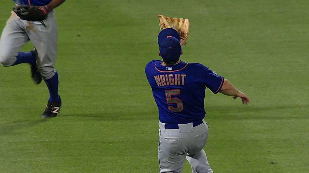 Costly error trips up Mets in 14-inning marathon