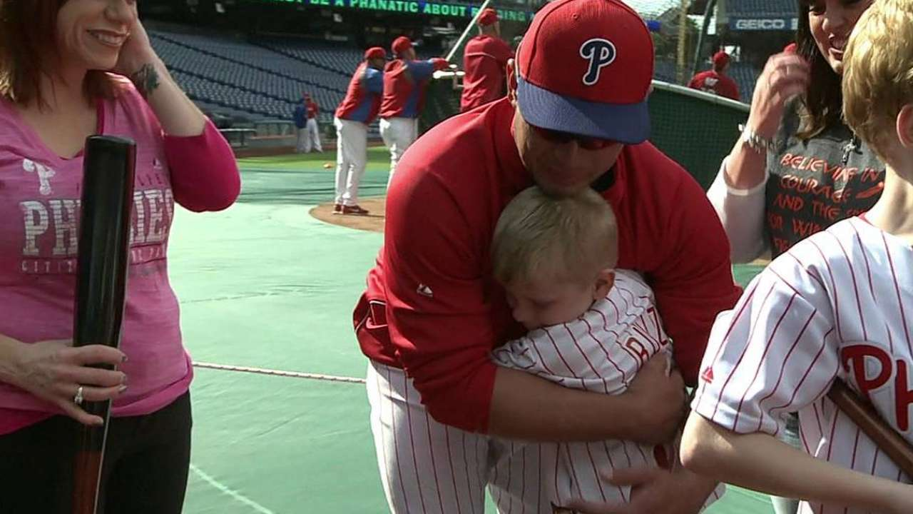 Ruiz makes time for special Phillies fan