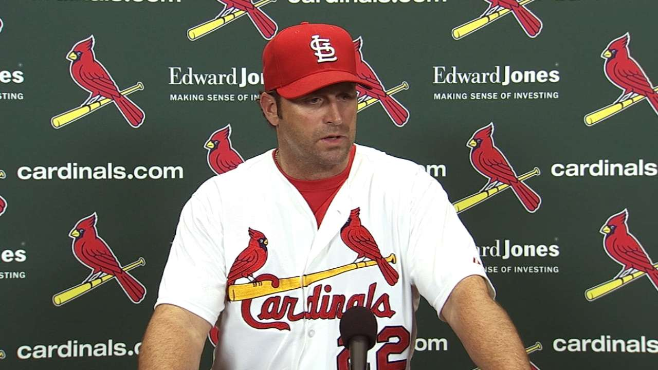Wainwright roughed up as Cards fall to Giants