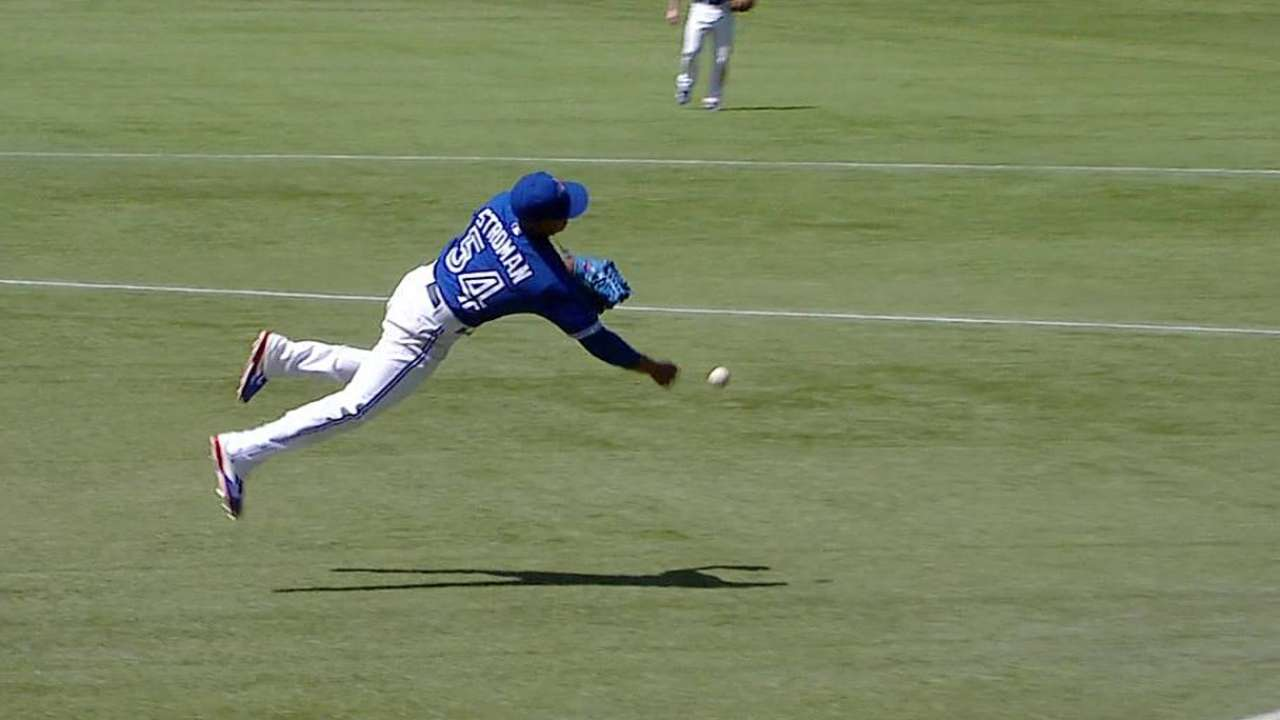 Hosmer safe at first after Blue Jays lose challenge