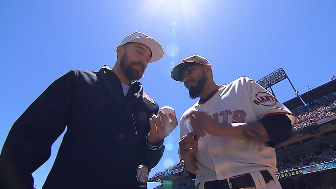 MLB remembers fallen heroes on Memorial Day