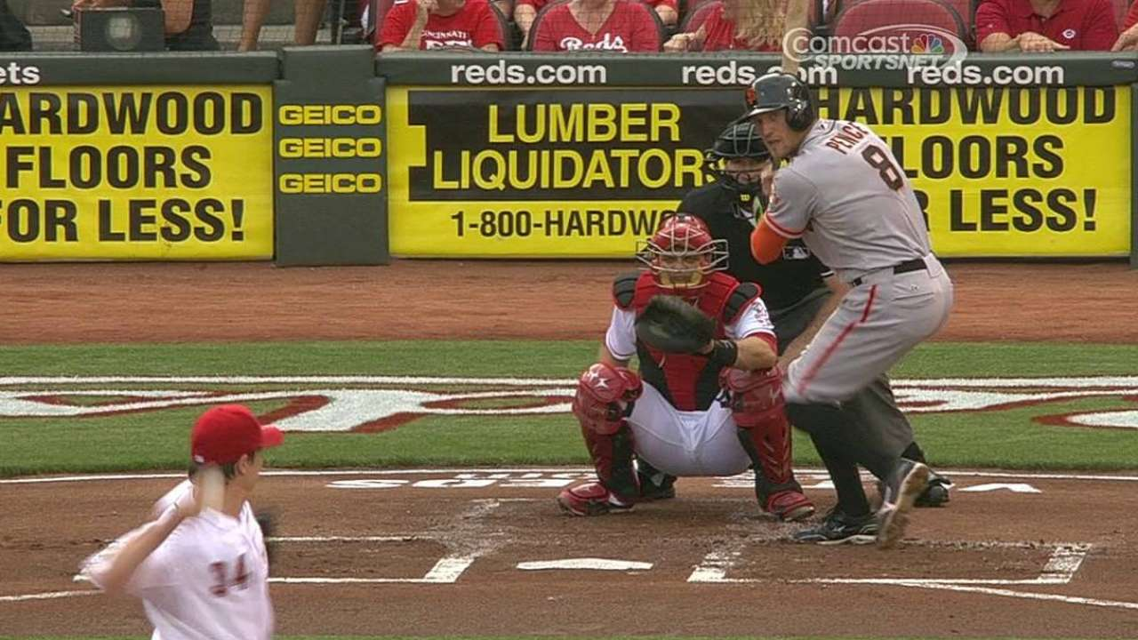 Giants sunk by errors, Lincecum's struggles