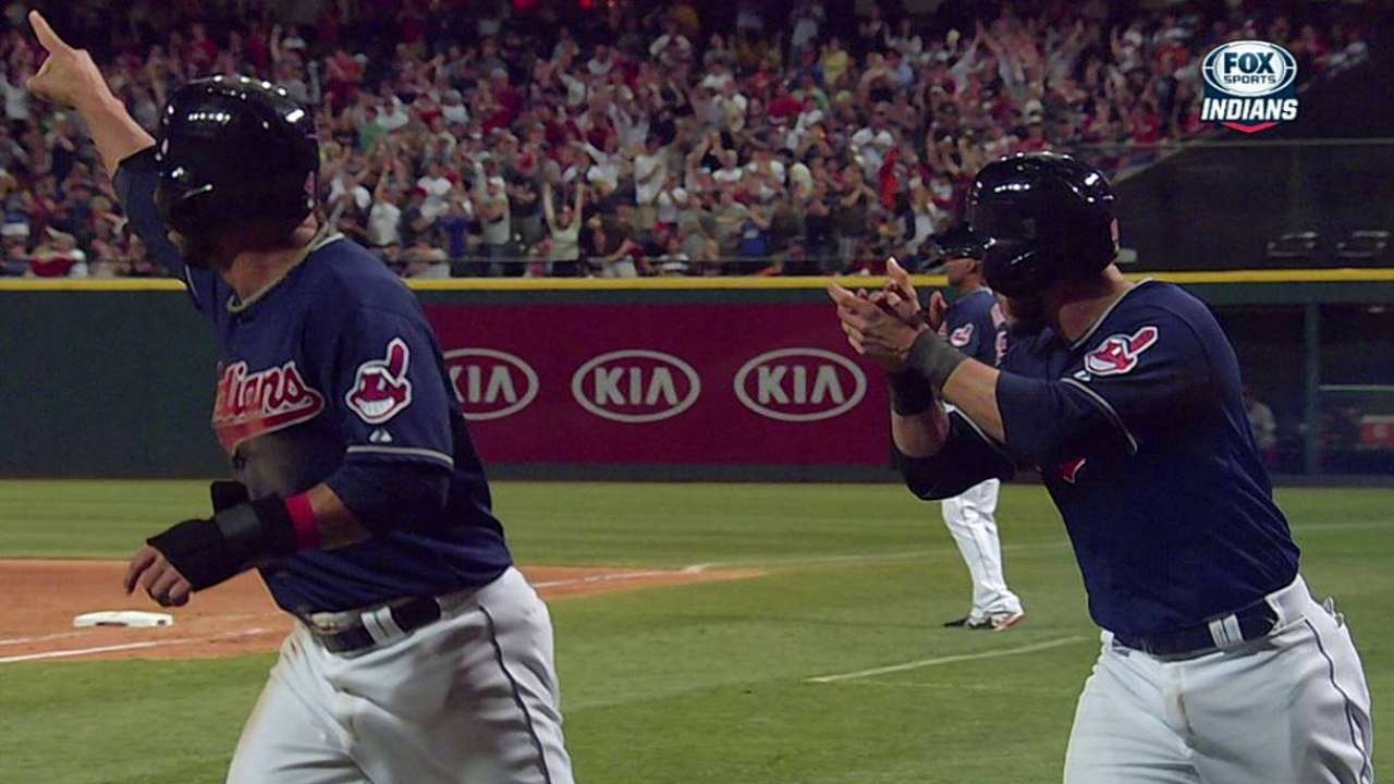 Bourn's big hit sparks Tribe to fifth straight win