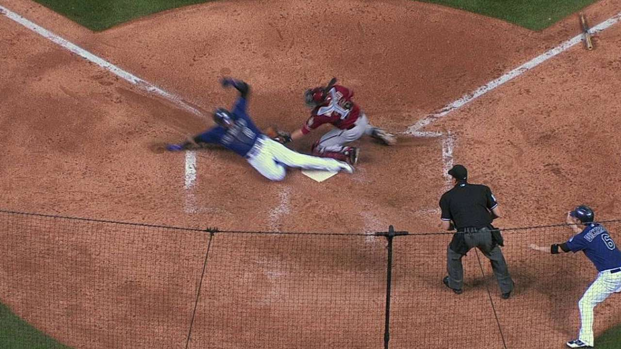 D-backs drop challenge on close play at plate