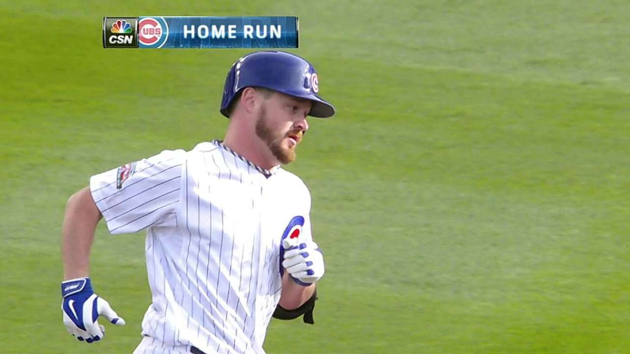 Cubs win challenge on close play at plate