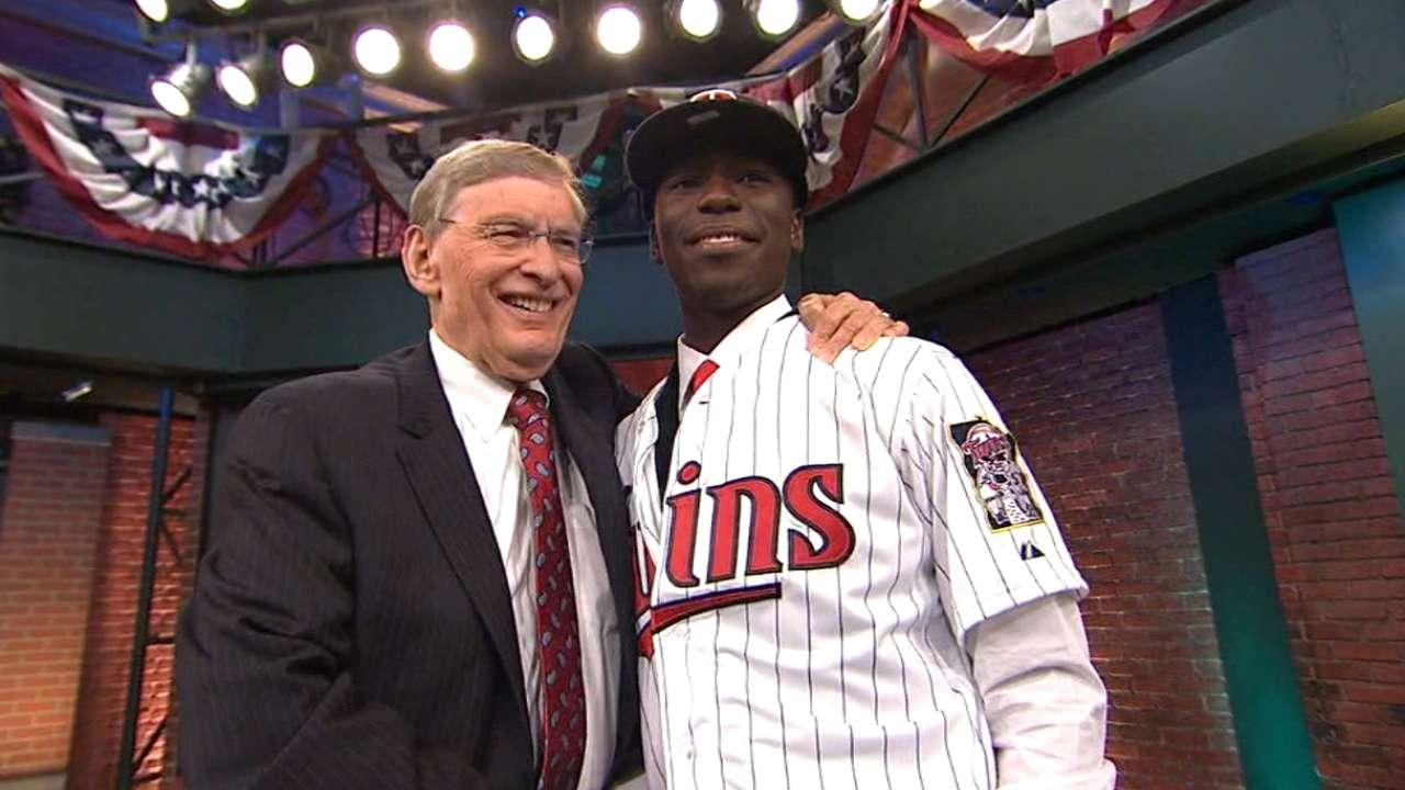Teams see upside of drafting high school hitters