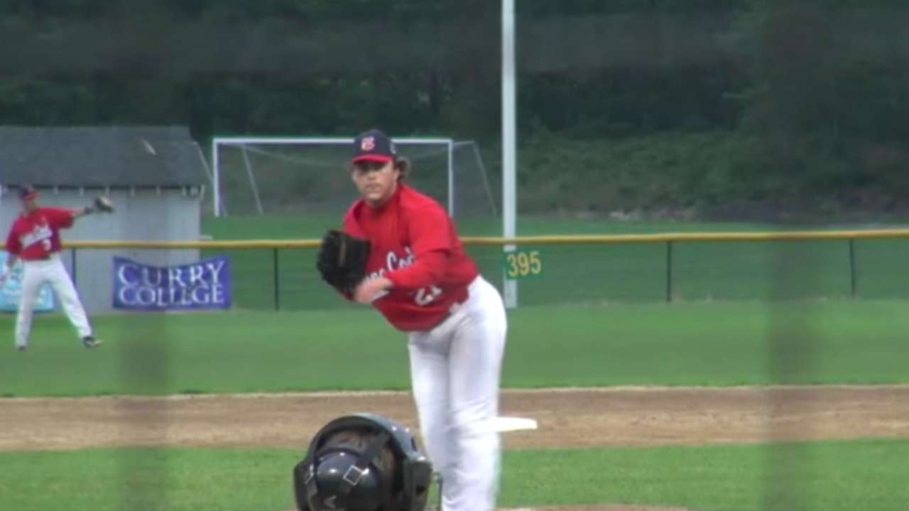 Yankees draft reliever Lindgren in second round