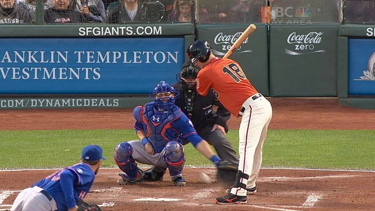 Bochy wins challenge in opener vs. Mets