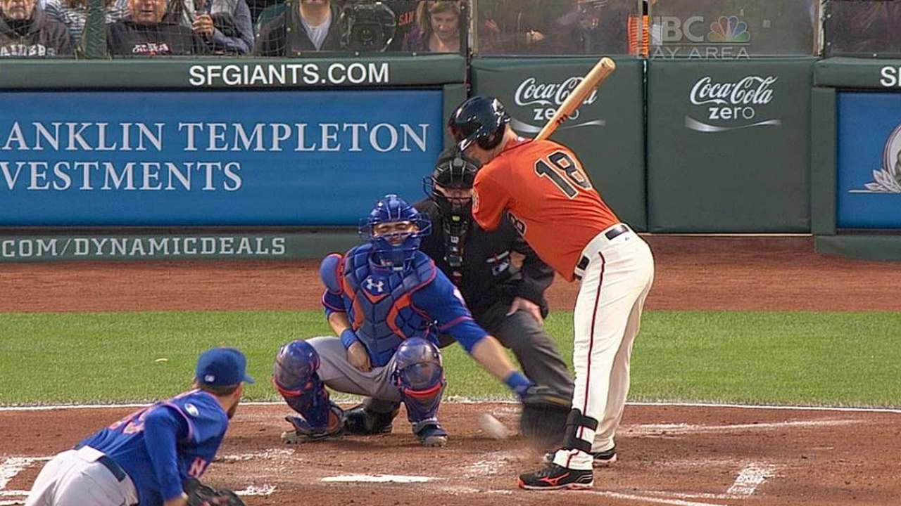 Bochy wins challenge in opener vs. Mets