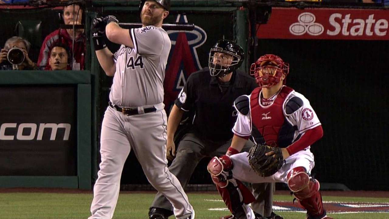 Dunn's 450th HR comes too late to help Rienzo