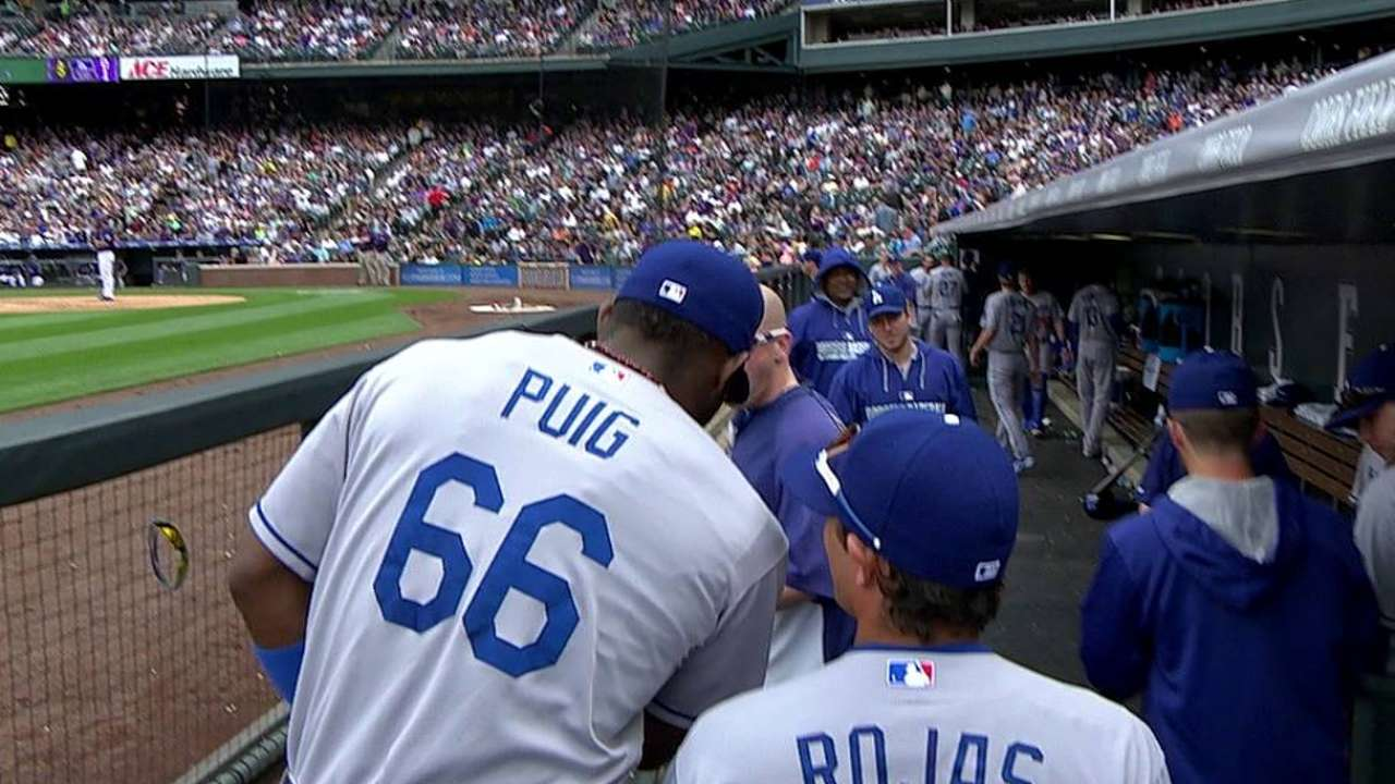 Puig leaves game vs. Rox with hip flexor strain