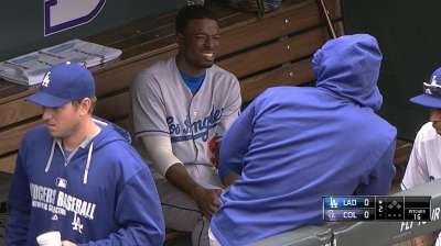 Dodgers' Gordon exits with left hip discomfort