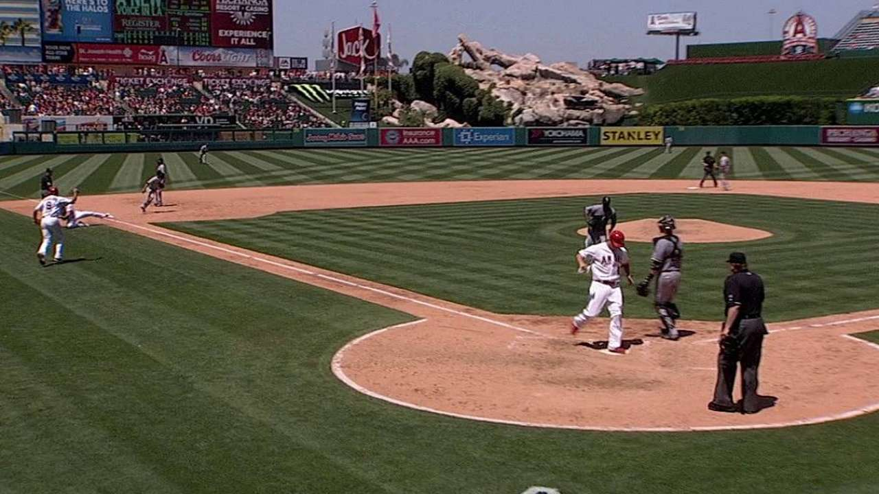 NL play, string of righties keeps Cron on bench