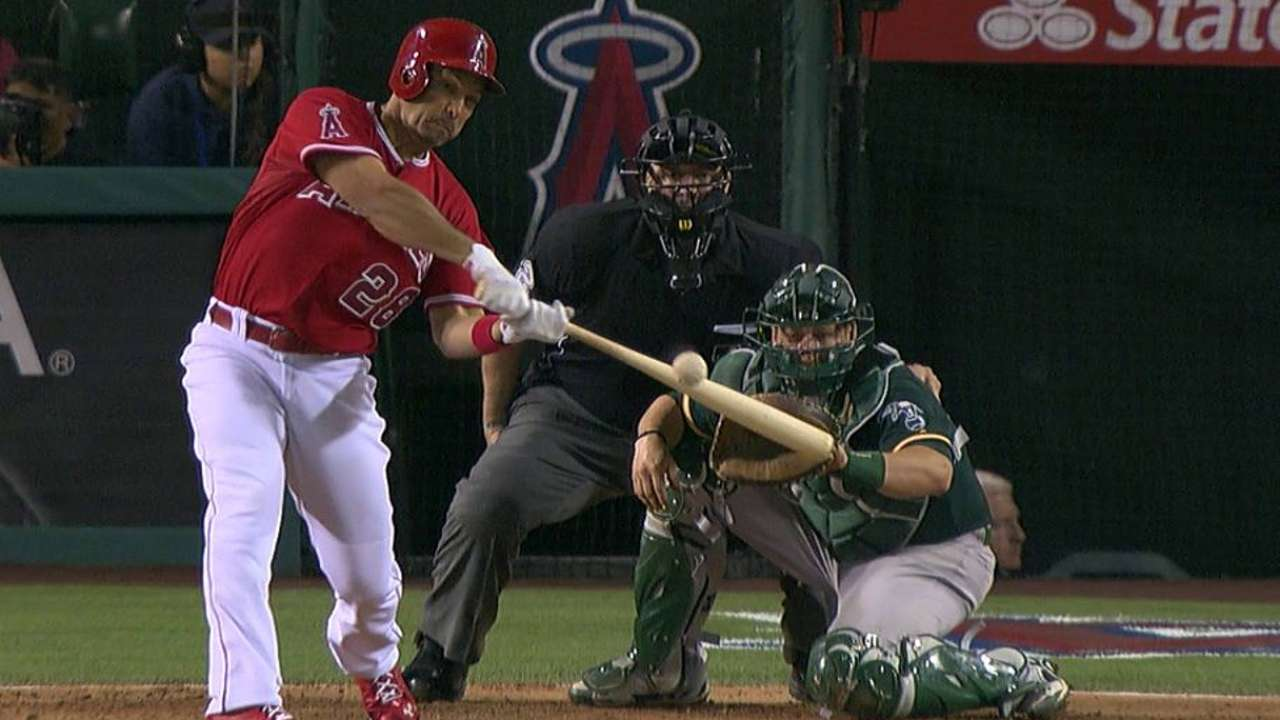 Angels part ways with veteran Ibanez