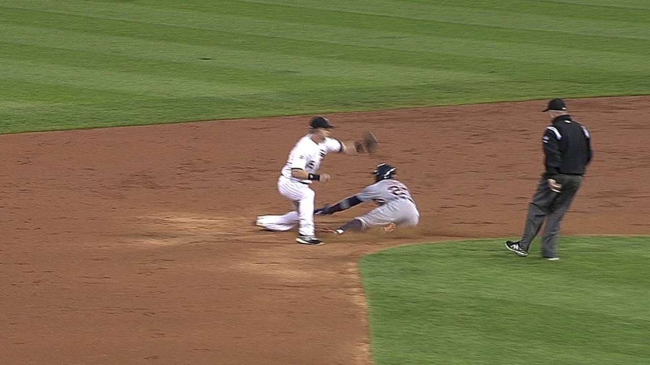 Replay overturns caught stealing for Tigers