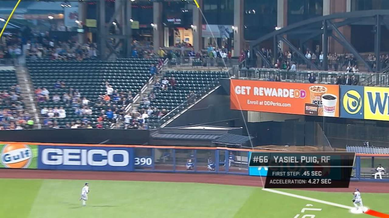 Statcast sheds light on two stunning catches