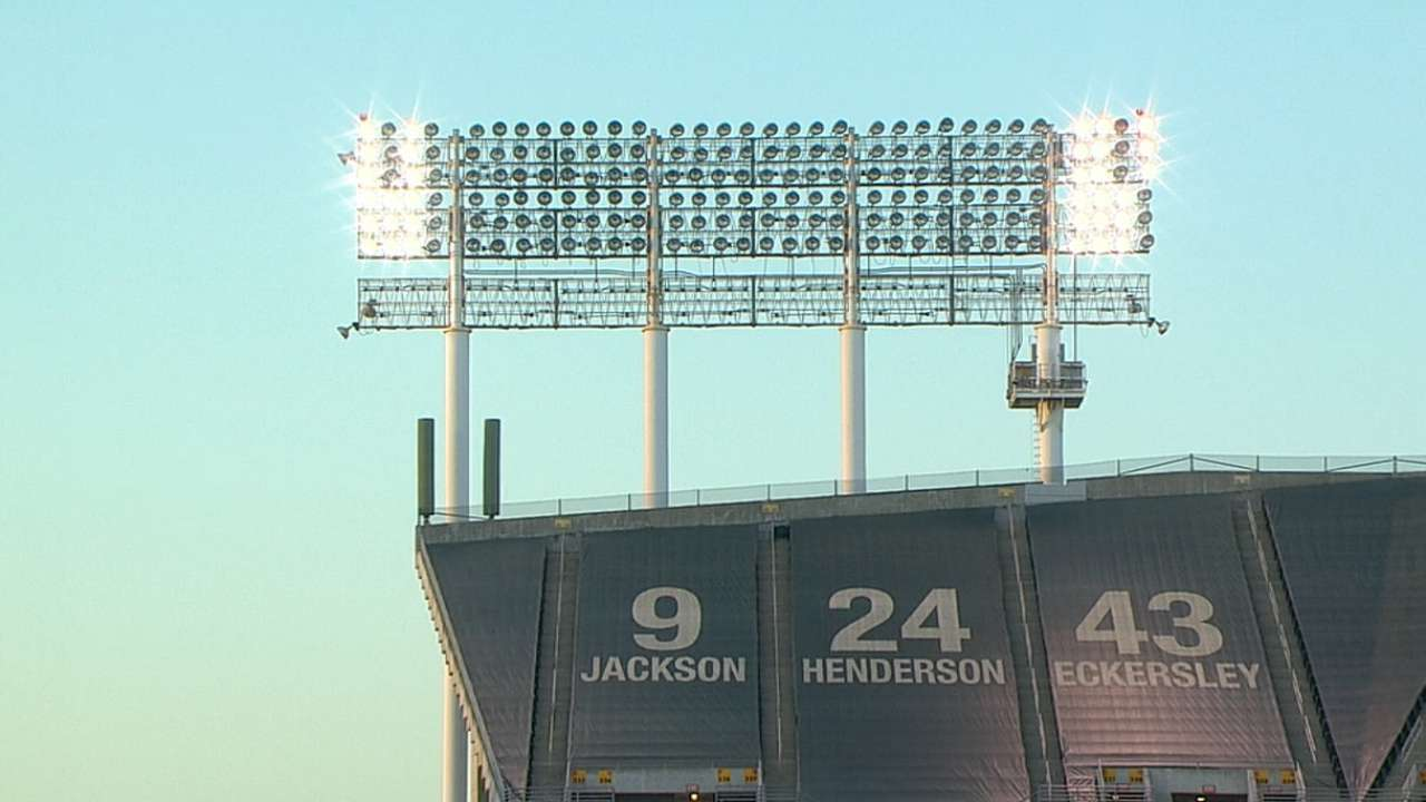 Outfield lights go down in Oakland, causing delay