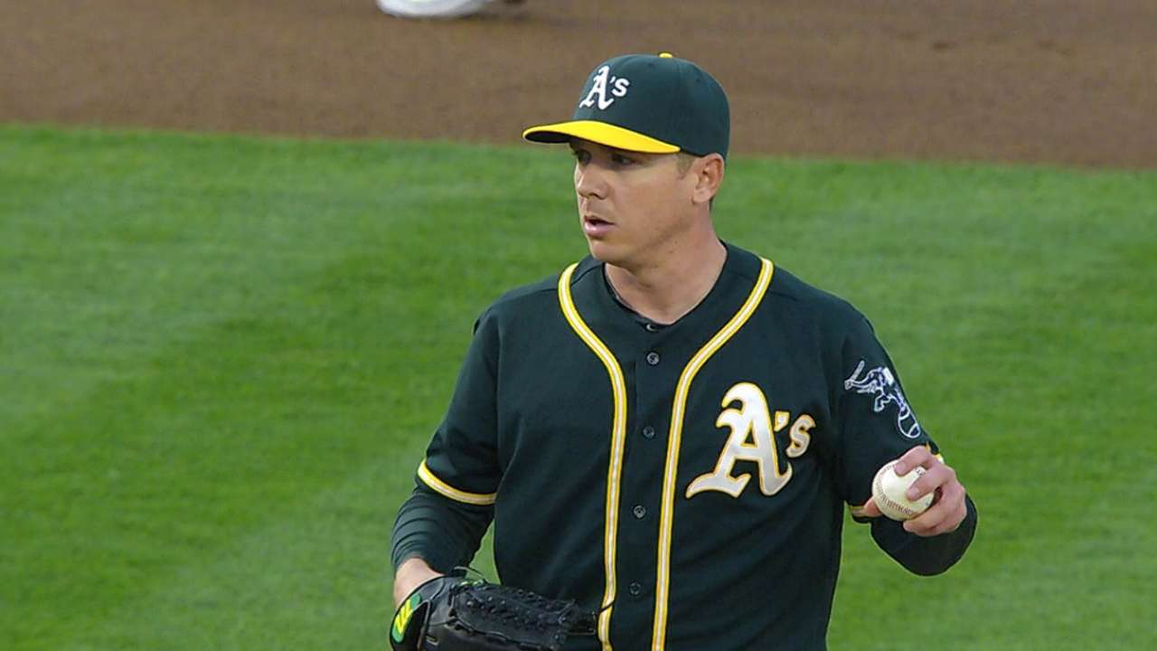 Kazmir stays hot, cools off Yanks as A's even series