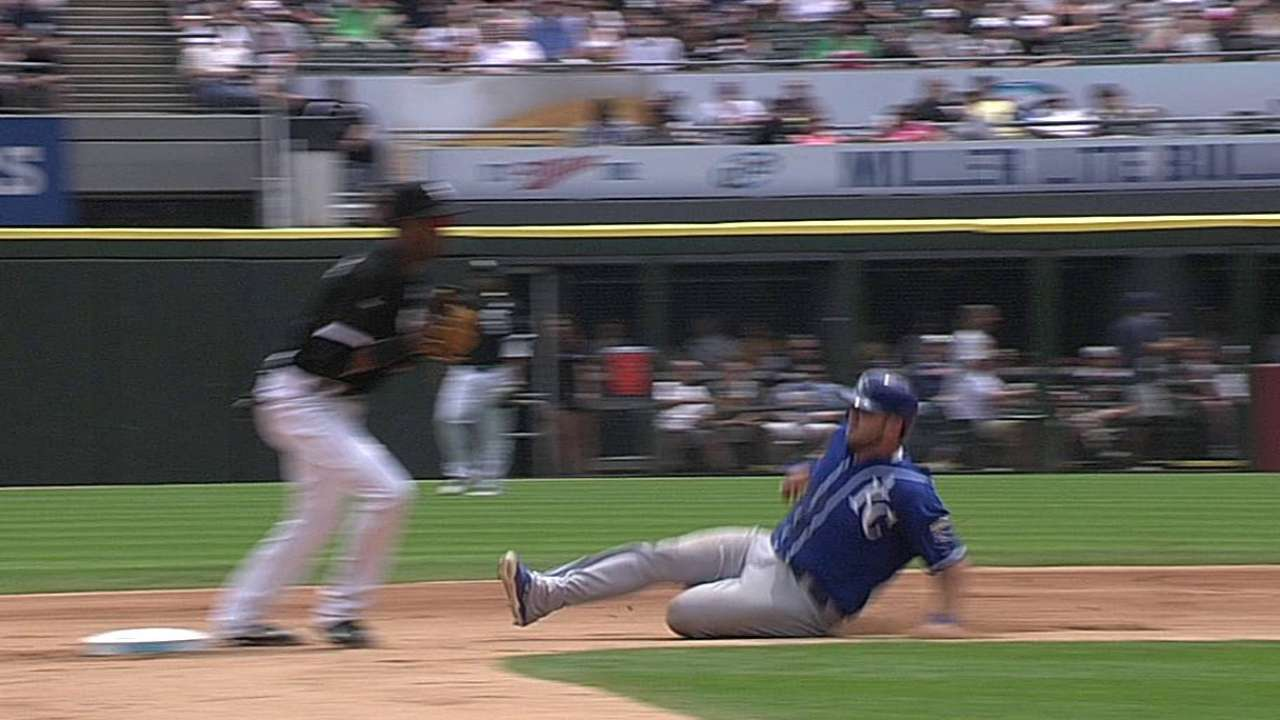 Royals win challenge on force play that leads to run