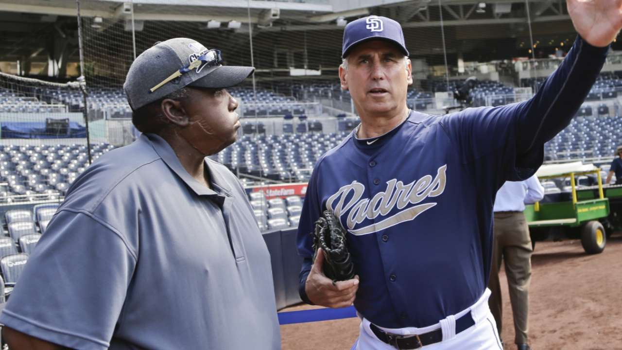 Padres family recalls 'luxury' of bond with Gwynn