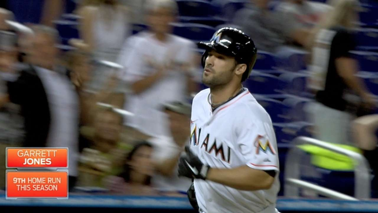 Marlins vencen a Cubs con HR decisivo de Jones