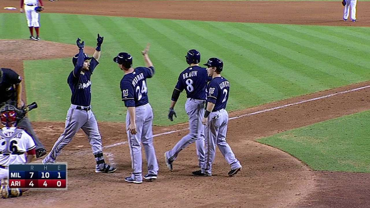 Lucroy pega grand slam y noquea a los D-backs