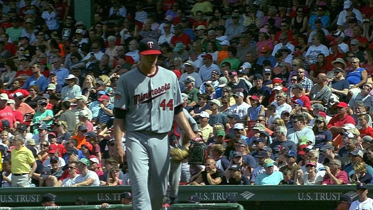 Gibson runs scoreless-innings streak to 22