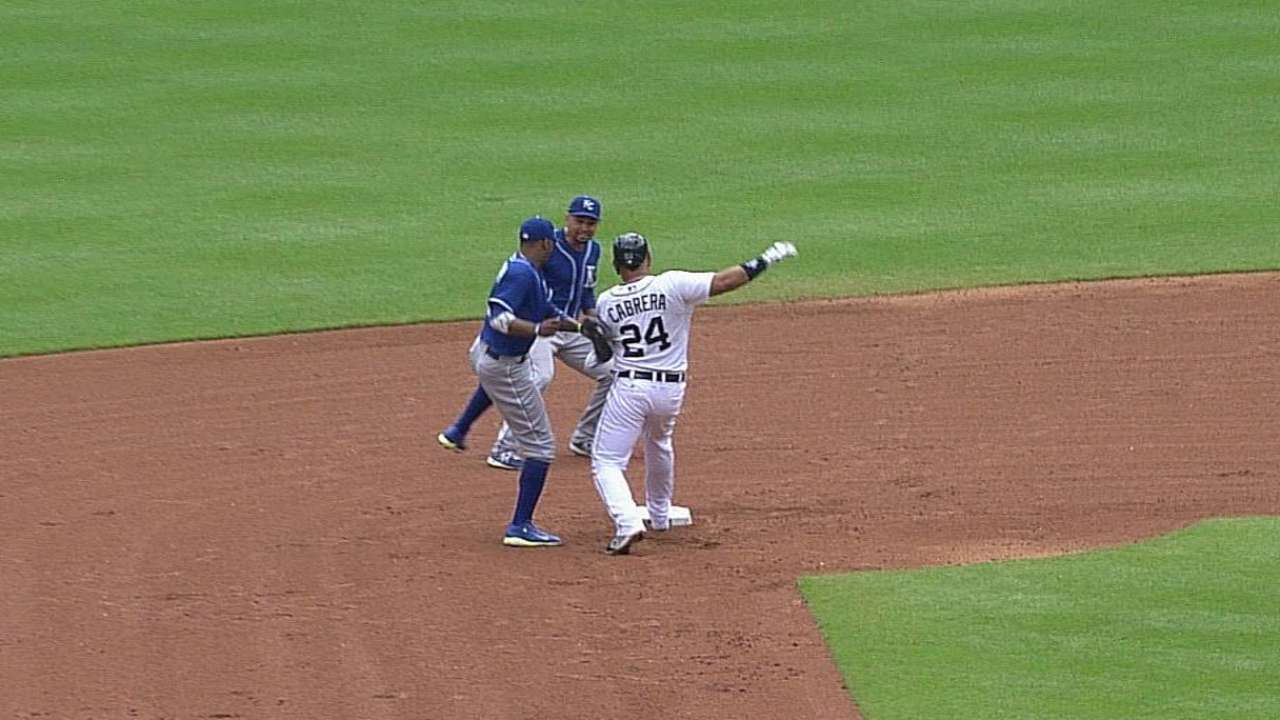 Royals win challenge on Miggy's miscue