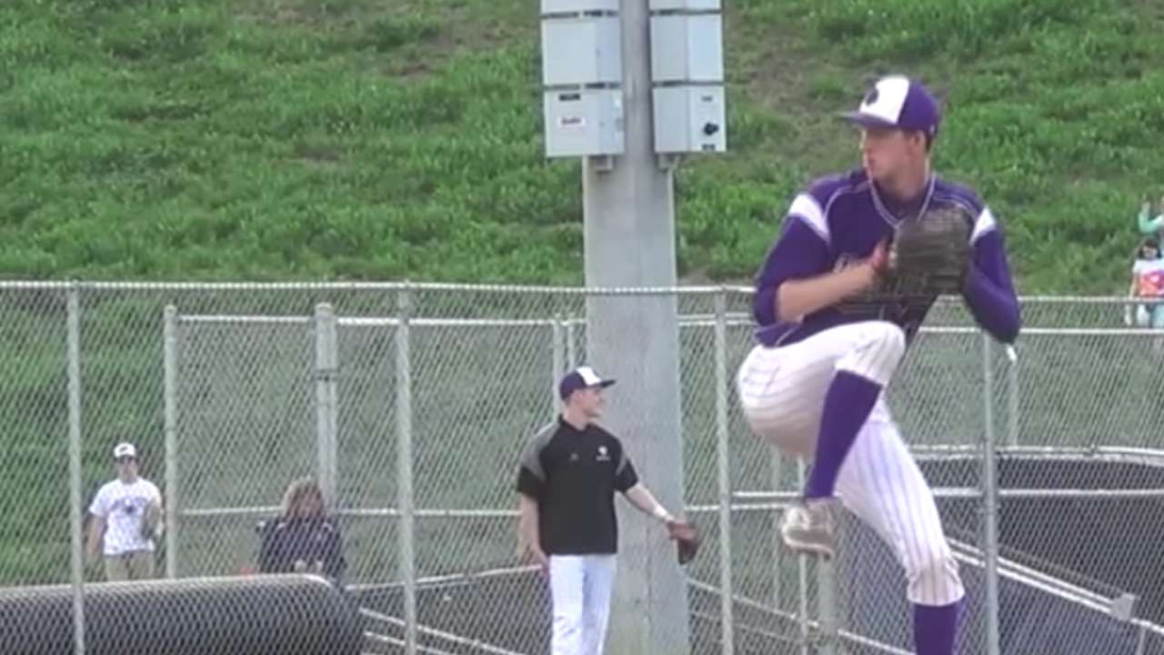 Blue Jays nab high school lefty Wells in third round