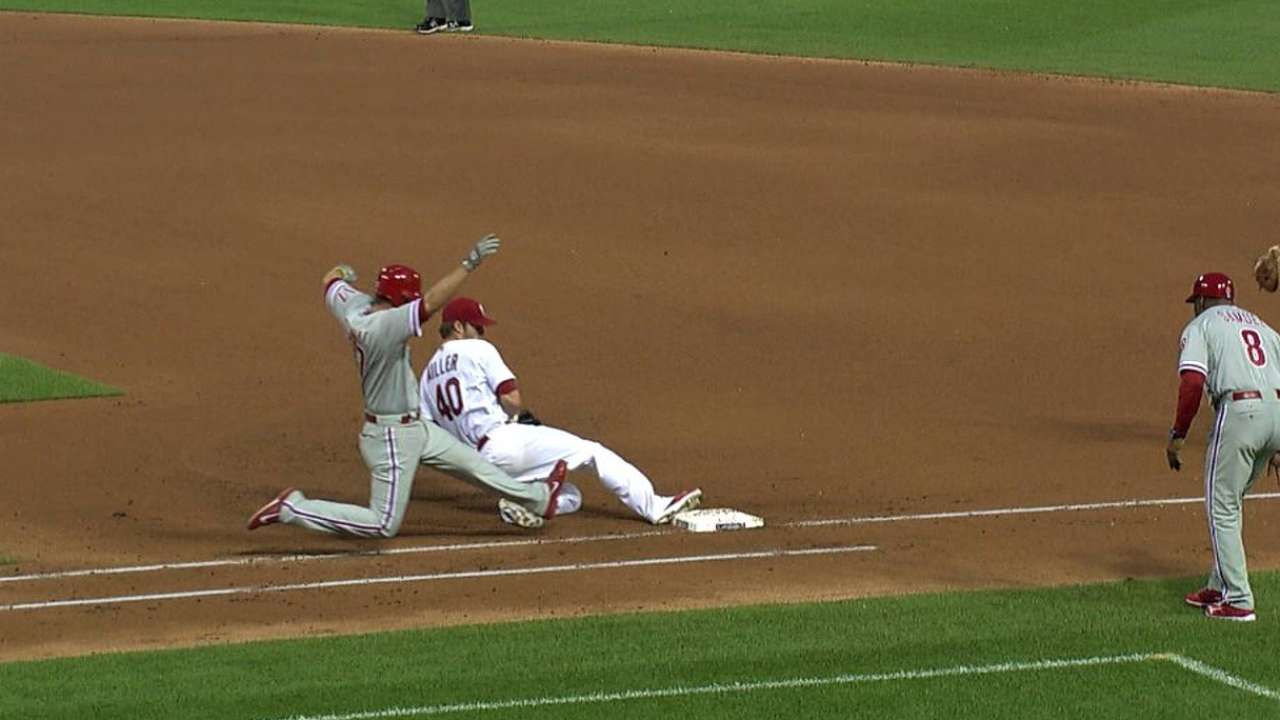 Miller can't contain Howard or rolling Phillies