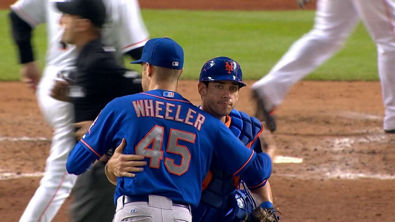 Wheeler's three-hit shutout, Wright's HR lift Mets