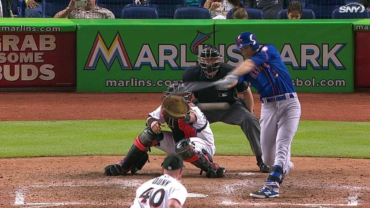 Bates de Mets fueron dominados por Álvarez, Marlins