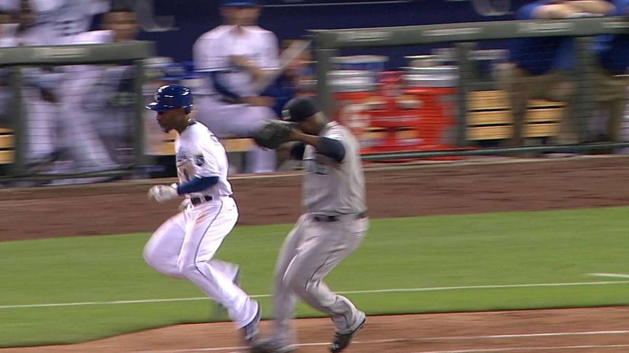 Mariners lose challenge on Dyson's infield hit