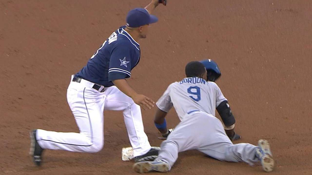Mattingly: Dee at 'different level' on basepaths