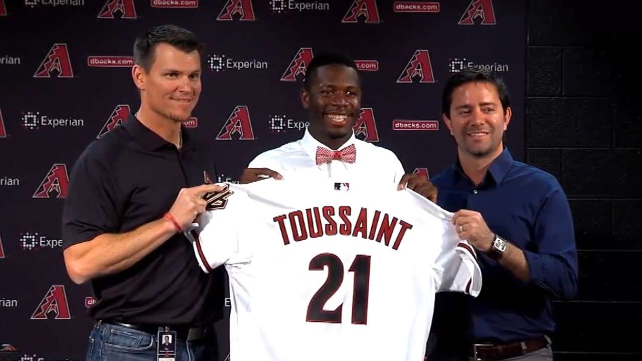 D-backs' top pick Toussaint makes pro debut