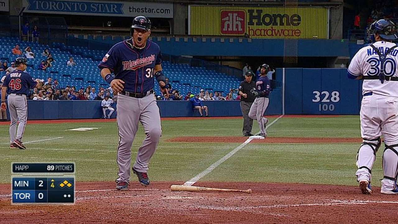Pitcheo de Mellizos frenó potente ofensiva de Toronto