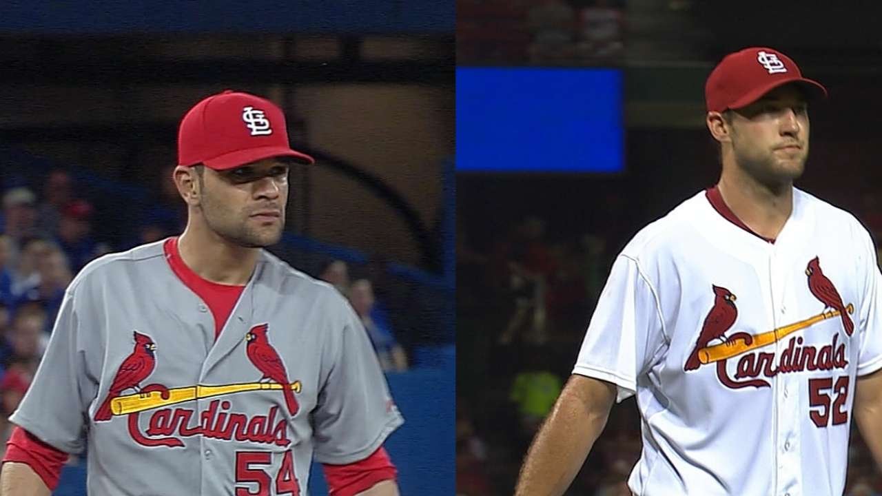 Wacha, Garcia head to DL with shoulder issues