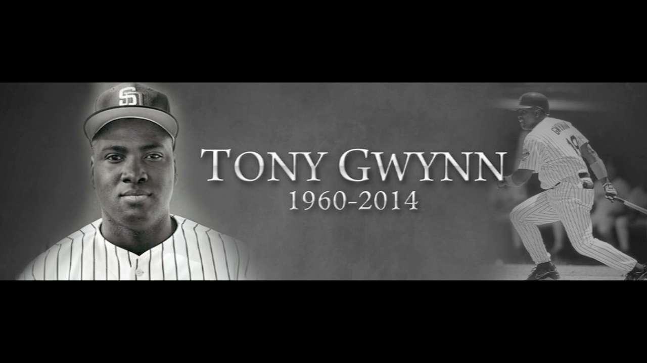 Padres honran a Tony Gwynn pero caen en Seattle