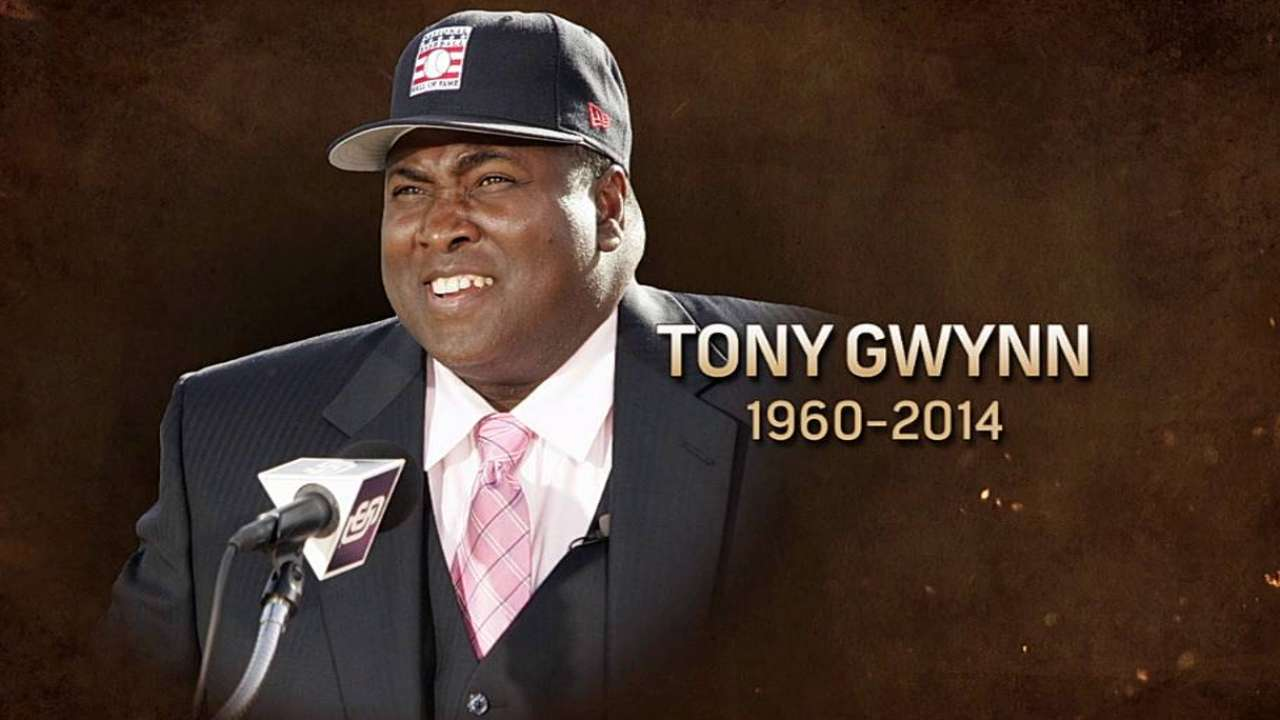 Astros, Nats honor Gwynn before series opener
