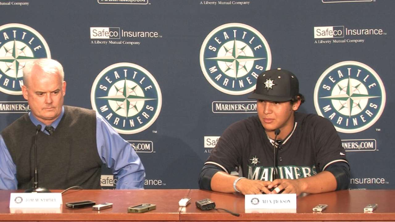 Mariners' top pick Jackson blasts first career homer