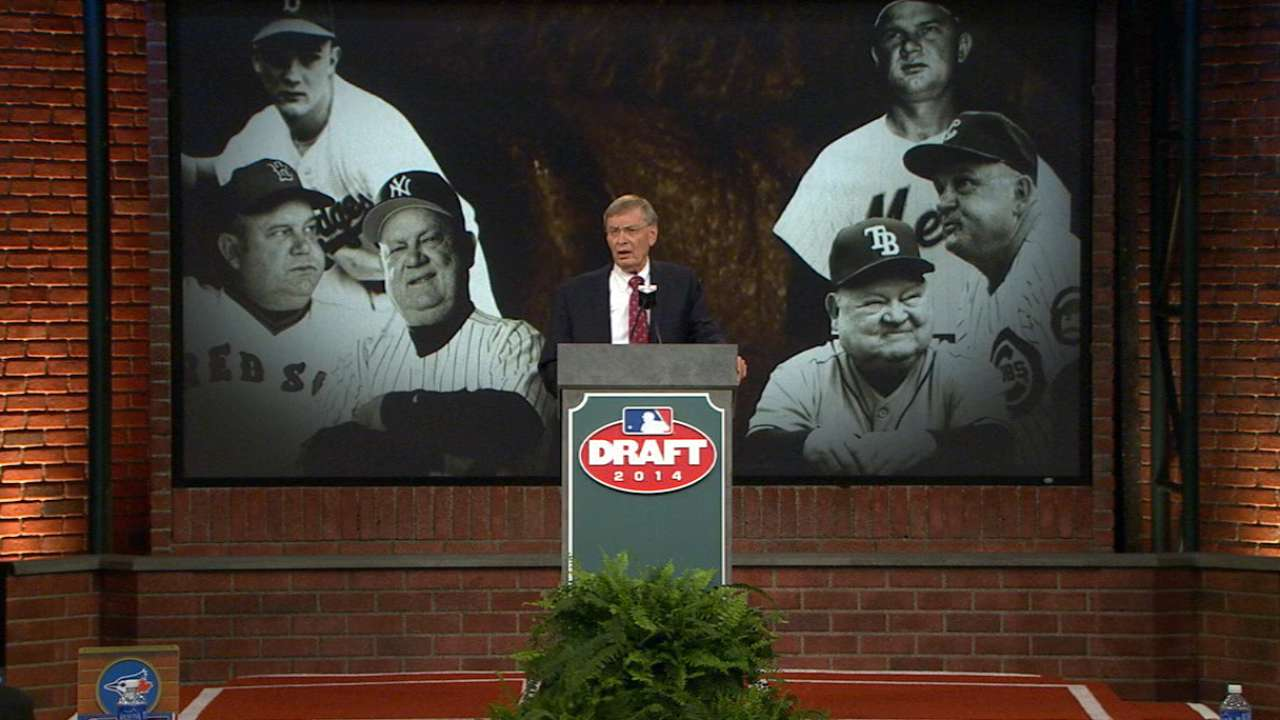 At his final Draft, Selig lauds event as vital