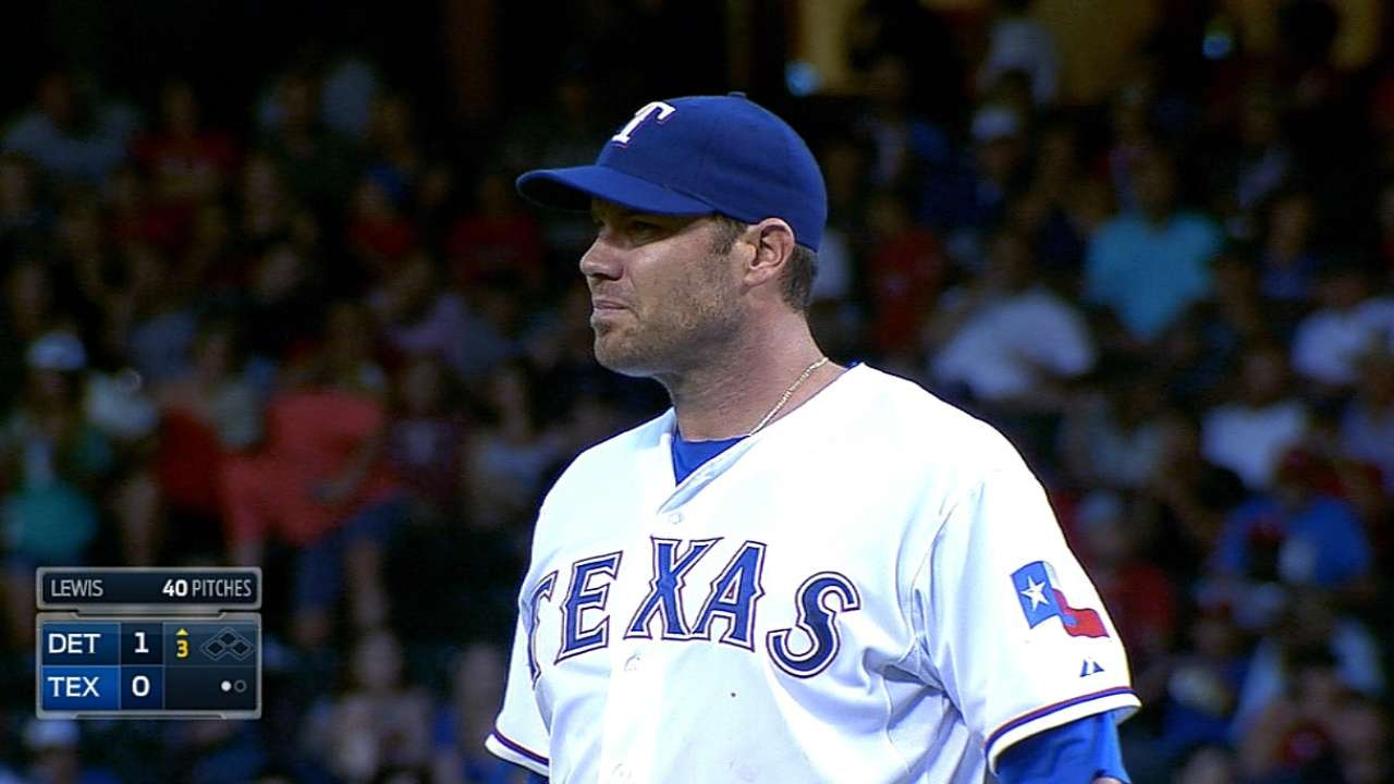 Texas' skid at six after Lewis falters late