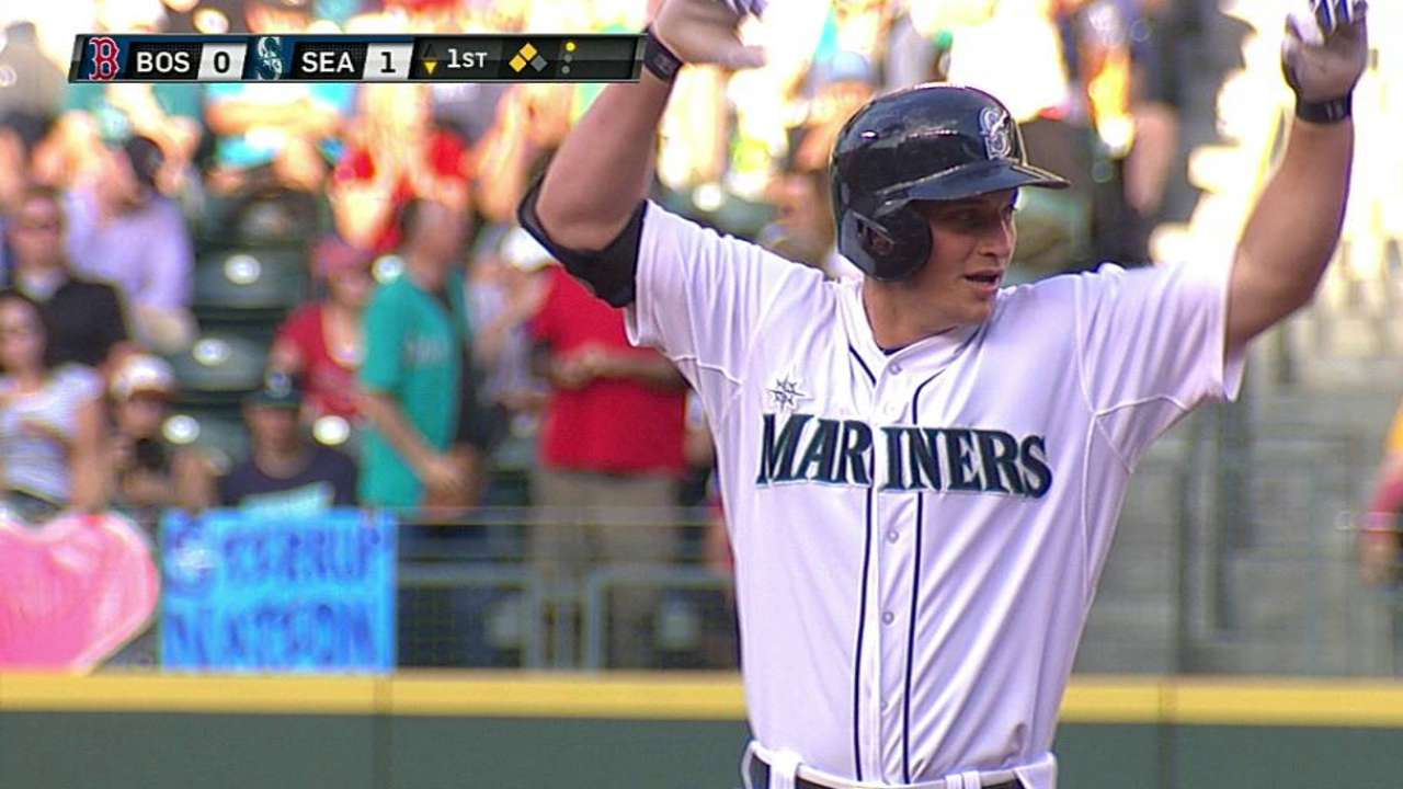 Seager destaca con el bate y Seattle vence a Boston
