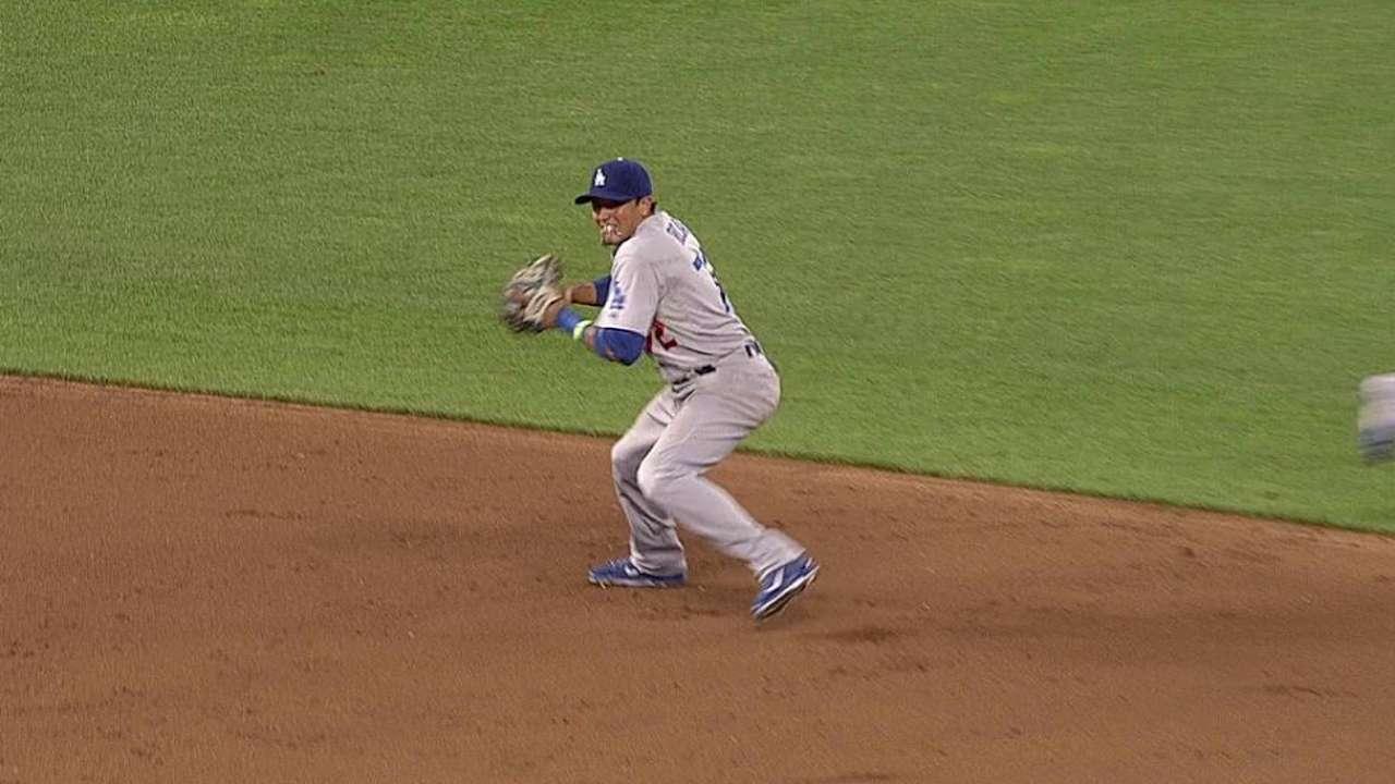Miguel Rojas volvió a salvar a Kershaw y los Dodgers