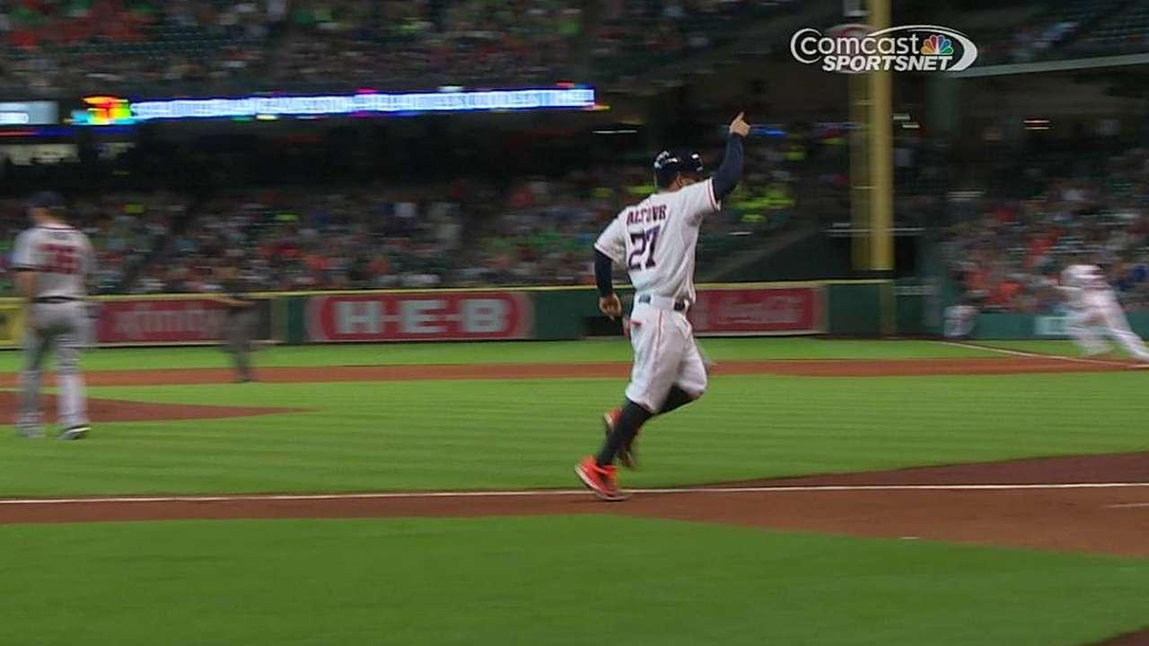 Cosart domina a Bravos y Astros sacan el del honor