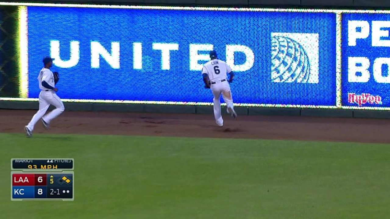 Cain's stellar running catch impresses Yost
